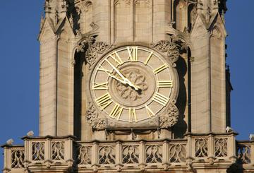 Le Beffroi Du0027Arras Est Une Tour De Style Gothique Flamboyant De 75 Mètres.